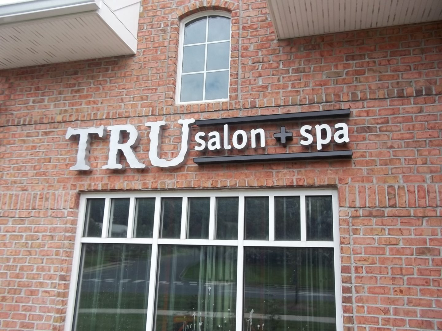 How Much Does an Exterior Sign Cost? | Loumarc Signs