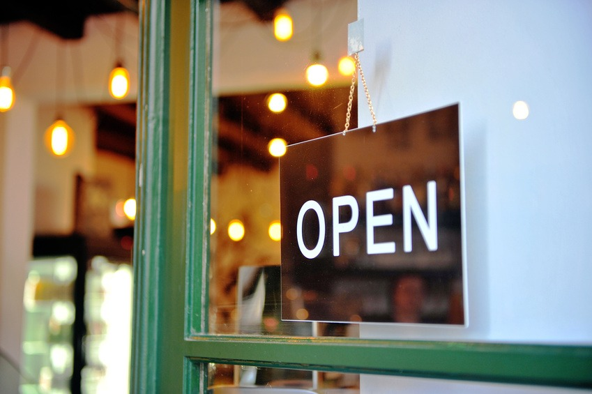 Tricks Of The Trade: 4 Best Practices For Retail Signage Explained